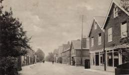 Houses and Buildings - Crossways_Road_1905