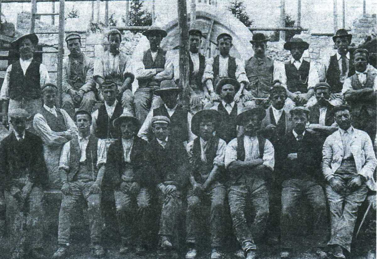 Workmen of Chapman, Lowry & Puttick